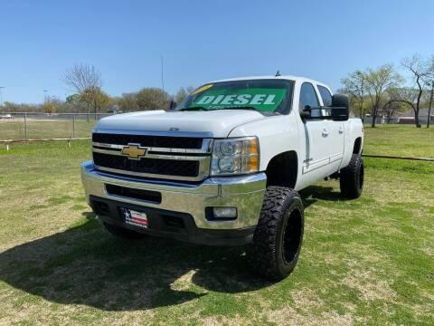 2013 Chevrolet Silverado 2500HD for sale at LA PULGA DE AUTOS in Dallas TX