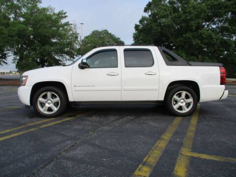2008 Chevrolet Avalanche for sale at A & P Automotive in Montgomery AL