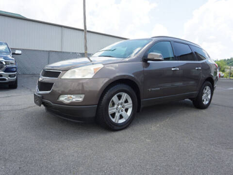 2009 Chevrolet Traverse for sale at CHAPARRAL USED CARS in Piney Flats TN