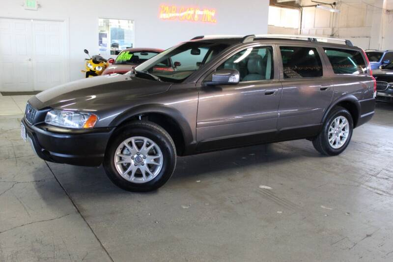 2007 Volvo XC70 for sale at R n B Cars Inc. in Denver CO