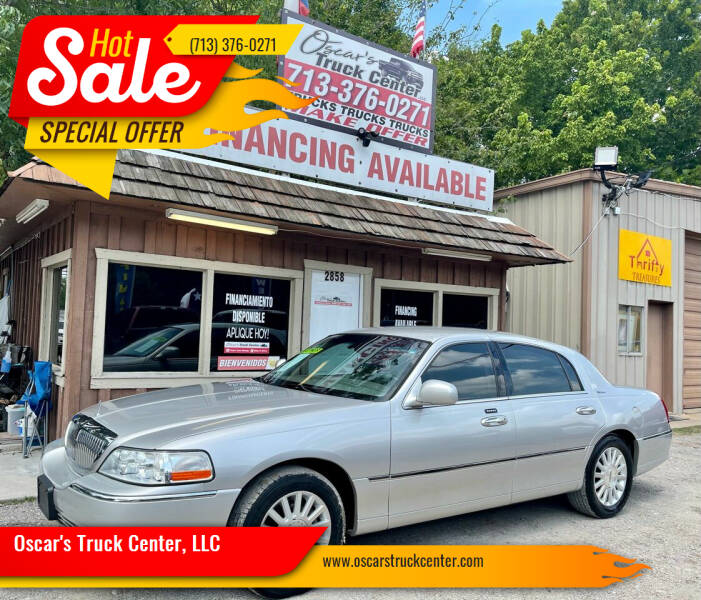 2004 Lincoln Town Car for sale at Oscar's Truck Center, LLC in Houston TX
