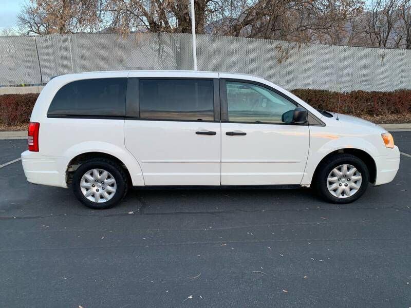 2008 Chrysler Town and Country for sale at BITTON'S AUTO SALES in Ogden UT