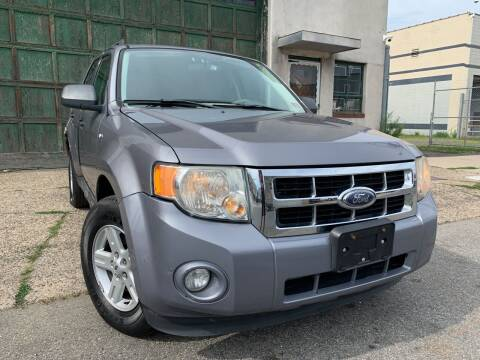 2008 Ford Escape Hybrid for sale at Illinois Auto Sales in Paterson NJ