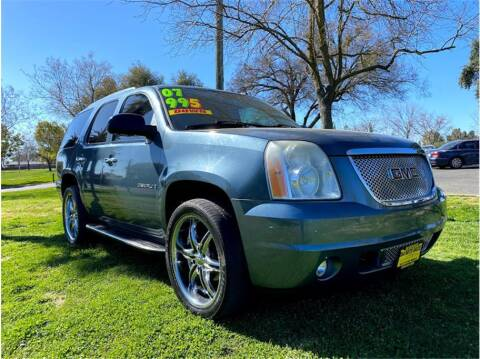 2007 GMC Yukon for sale at D & I Auto Sales in Modesto CA