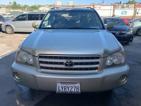 2002 Toyota Highlander for sale at Aria Auto Sales in El Cajon CA