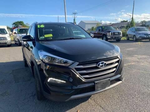 2016 Hyundai Tucson for sale at Merrimack Motors in Lawrence MA