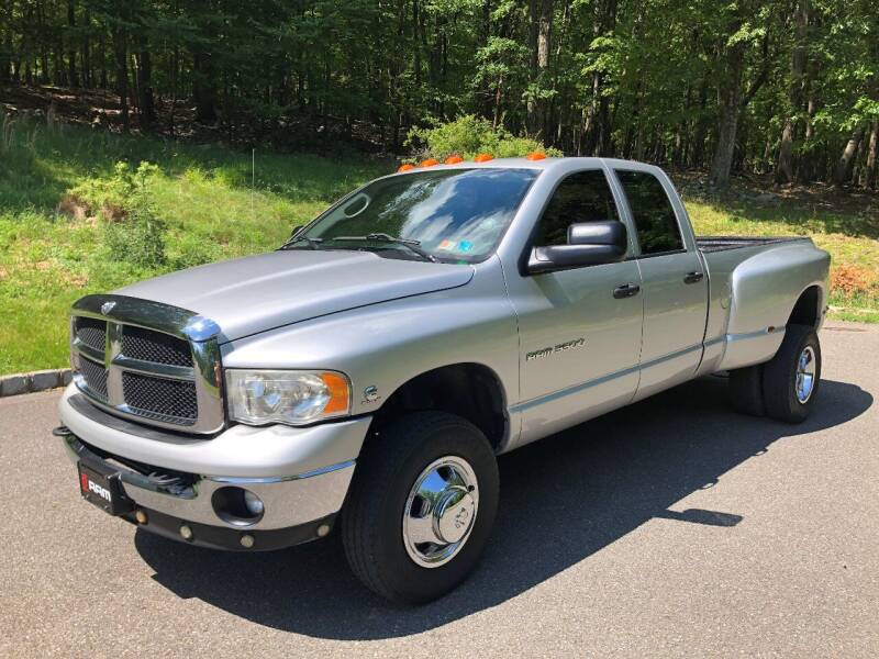 2004 Dodge Ram Pickup 3500 for sale at Right Pedal Auto Sales INC in Wind Gap PA