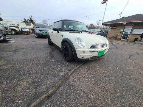 2004 MINI Cooper for sale at Geareys Auto Sales of Sioux Falls, LLC in Sioux Falls SD