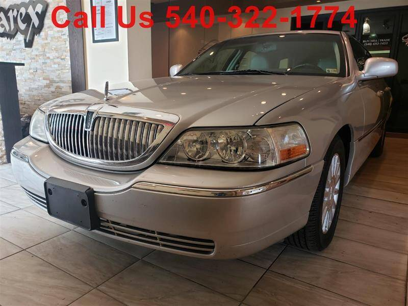 2003 Lincoln Town Car for sale in Fredericksburg, VA