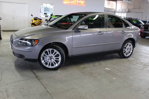 2005 Volvo S40 for sale at R n B Cars Inc. in Denver CO