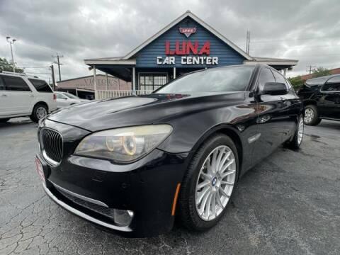 2009 BMW 7 Series for sale at LUNA CAR CENTER in San Antonio TX