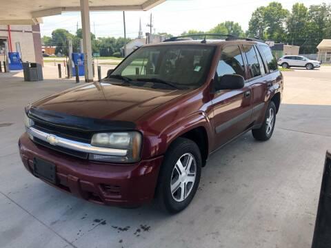 2005 Chevrolet TrailBlazer for sale at JE Auto Sales LLC in Indianapolis IN
