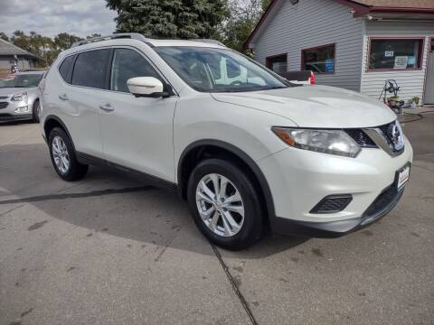 2015 Nissan Rogue for sale at Triangle Auto Sales in Omaha NE