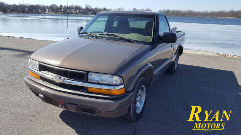2000 Chevrolet S-10 for sale at Ryan Motors LLC in Warsaw IN