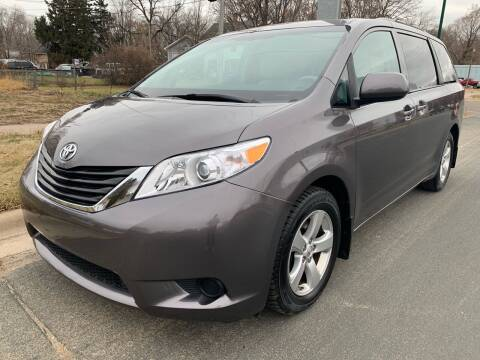 2014 Toyota Sienna for sale at ONG Auto in Farmington MN
