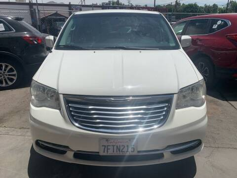 2013 Chrysler Town and Country for sale at Aria Auto Sales in El Cajon CA