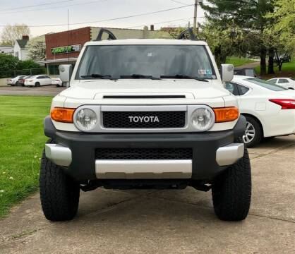 2013 Toyota FJ Cruiser for sale at Stephen Motor Sales LLC in Caldwell OH