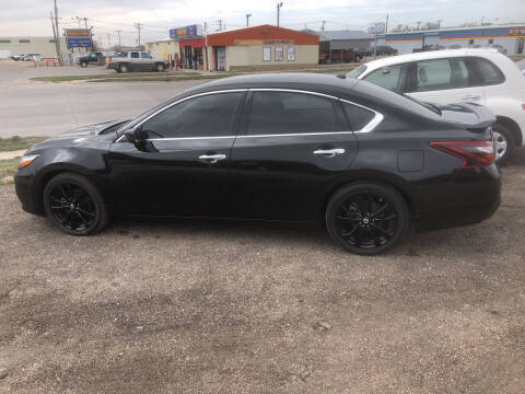 2018 Nissan Altima for sale at Bramble's Auto Sales in Hastings NE
