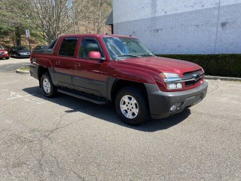 2005 Chevrolet Avalanche for sale at Select Auto in Smithtown NY