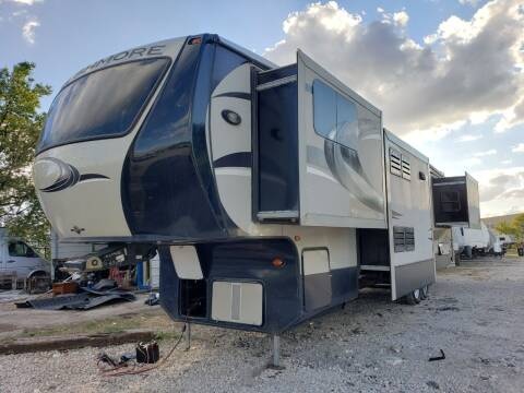 2013 Crossroads Rushmore rf39ln for sale at Ultimate RV in White Settlement TX