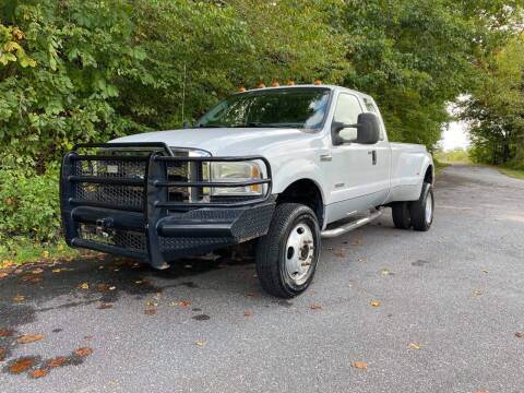 2005 Ford F-350 Super Duty for sale at Lenoir Auto in Lenoir NC