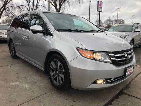 2015 Honda Odyssey for sale at Direct Auto Sales in Milwaukee WI
