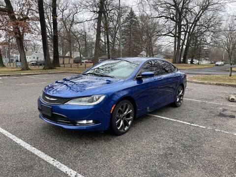 2015 Chrysler 200 for sale at CItywide Auto Credit in Oregon OH