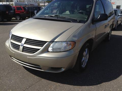 2006 Dodge Grand Caravan for sale at Steves Auto Sales in Cambridge MN