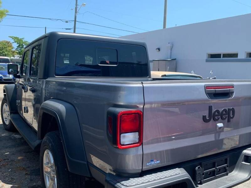 2020 Jeep Gladiator for sale at YID Auto Sales in Hollywood FL