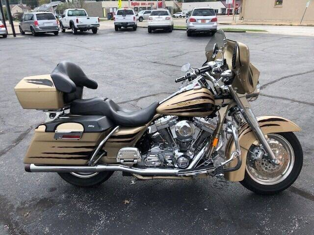 2003 HARLEY DAVIDSON FLHRSEI1  for sale at RT Auto Center in Quincy IL
