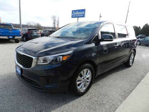 2016 Kia Sedona for sale at Leitheiser Car Company in West Bend WI