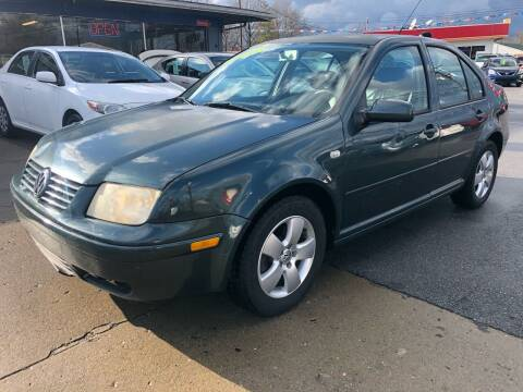 2003 Volkswagen Jetta for sale at Wise Investments Auto Sales in Sellersburg IN