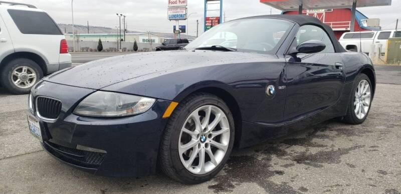2006 BMW Z4 for sale at Global Elite Motors LLC in Wenatchee WA