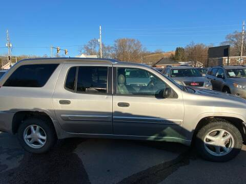 2004 GMC Envoy XUV for sale at RIVERSIDE AUTO SALES in Sioux City IA