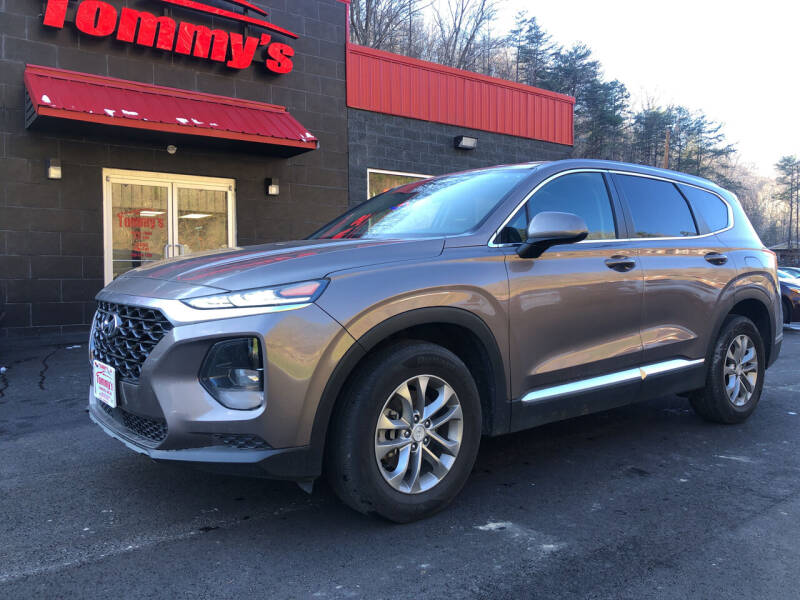 2019 Hyundai Santa Fe for sale at Tommy's Auto Sales in Inez KY