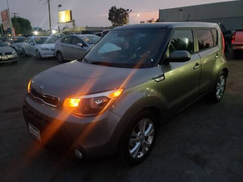 2015 Kia Soul for sale at LR AUTO INC in Santa Ana CA