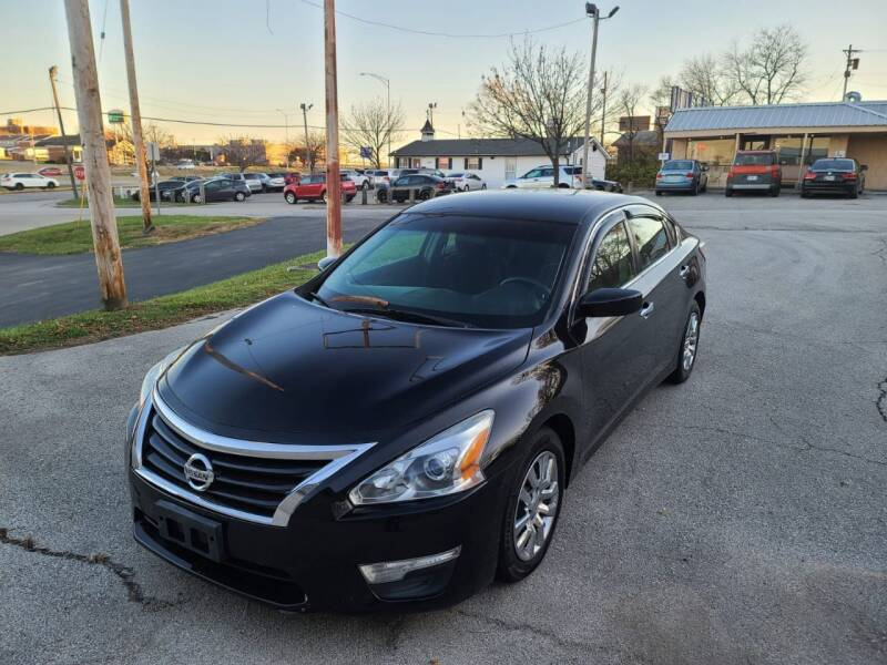 2013 Nissan Altima for sale at Auto Hub in Grandview MO