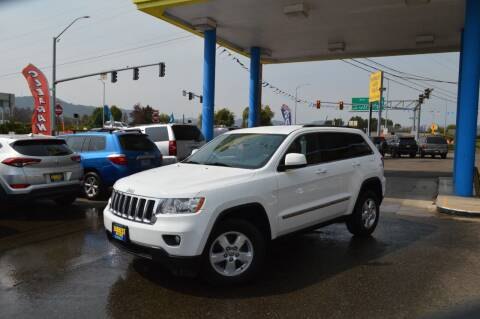 2013 Jeep Grand Cherokee for sale at Earnest Auto Sales in Roseburg OR