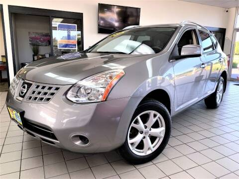 2008 Nissan Rogue for sale at SAINT CHARLES MOTORCARS in Saint Charles IL