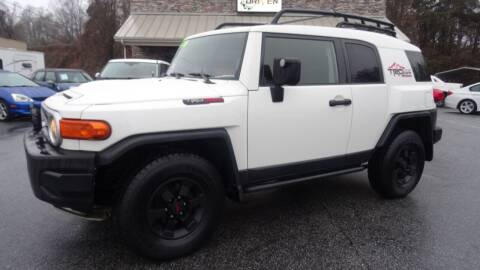 2008 Toyota FJ Cruiser for sale at Driven Pre-Owned in Lenoir NC
