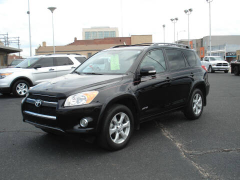 2011 Toyota RAV4 for sale at Shelton Motor Company in Hutchinson KS