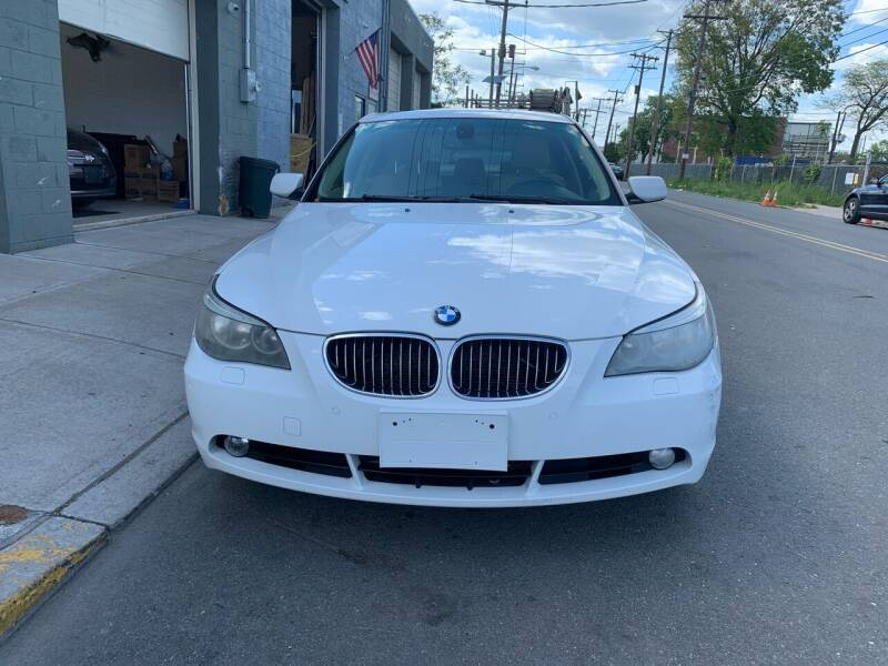 2006 BMW 5 Series for sale at SUNSHINE AUTO SALES LLC in Paterson NJ