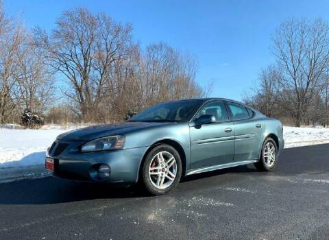 2006 Pontiac Grand Prix for sale at Knowlton Motors, Inc. in Freeport IL