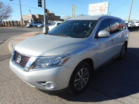 2013 Nissan Pathfinder for sale at AUGE'S SALES AND SERVICE in Belen NM