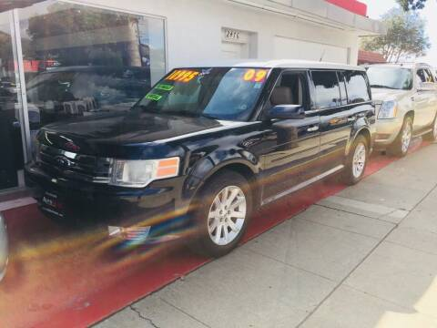 2009 Ford Flex for sale at Auto Max of Ventura in Ventura CA