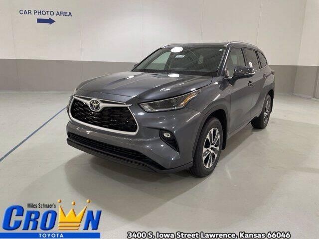 2021 Toyota Highlander for sale in Lawrence, KS