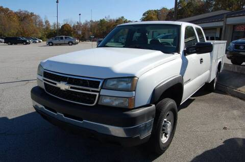 2007 Chevrolet Silverado 2500HD Classic for sale at Modern Motors - Thomasville INC in Thomasville NC