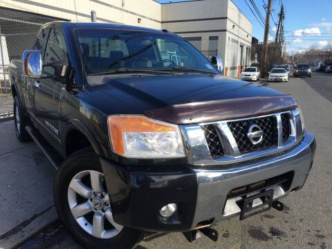2008 Nissan Titan for sale at Illinois Auto Sales in Paterson NJ