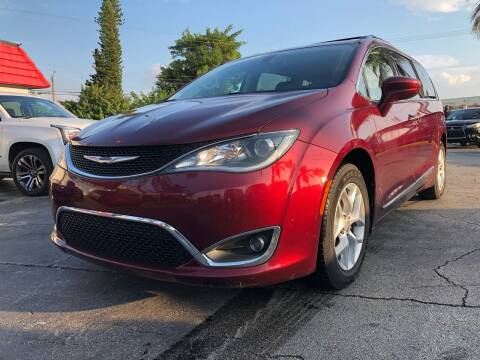 2017 Chrysler Pacifica for sale at Gtr Motors in Fort Lauderdale FL