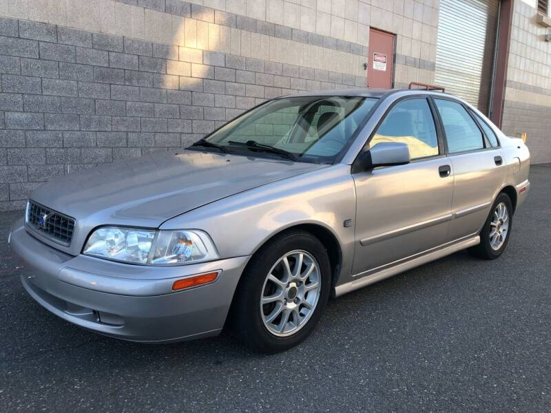 2004 Volvo S40 for sale at Autos Under 5000 + JR Transporting in Island Park NY